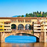 Ponte Vecchio van op de Arno