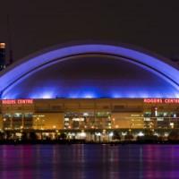 Nachtbeeld op het Rogers Centre