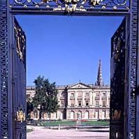 Poort naar het Palais Rohan