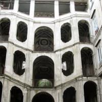 Aan het Palazzo della Spagnolo