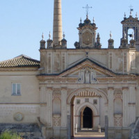 Gevel van het Monasterio de Santa Maria de las Cuevas