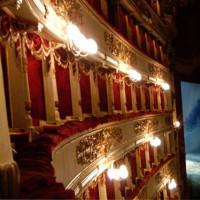 Binnen in La Scala