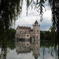 Vergezicht op het Schloss Anif