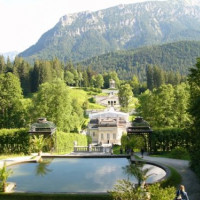 Vergezicht op het Schloss Linderhof