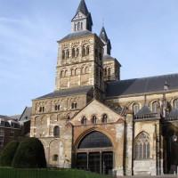 Zicht op de Sint Servaas-Basiliek