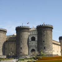 Totaalbeeld van het Castell Nuovo