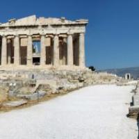 Beeld op de Akropolis