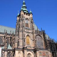 Onder aan de St. Vitus-kathedraal