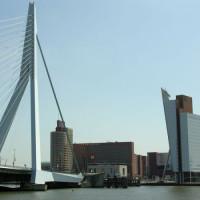 Beeld op de Rotterdamse skyline