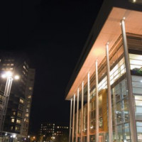 Nachtbeeld van het Centre Céramique
