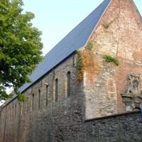Zicht op de ruïnes van de Sint-Baafsabdij