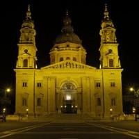 Voorgevel van de Sint-Stefanusbasiliek