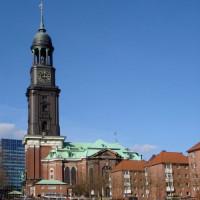 Toren van de Sint Michaeliskirche