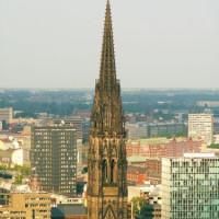 Vergezicht op de St.-Nikolai-Kirche