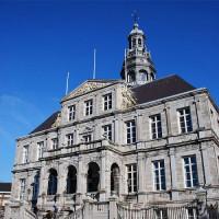 Vooraan het Stadhuis van Maastricht