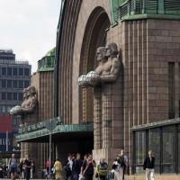 Zijaanzicht op het treinstation van Helsinki