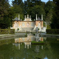Vijver bij het Schloss Hellbrunn