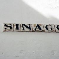 Naamplaatjev na de Sinagoga