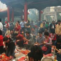 Drukte in de Wong Tai Sin Tempel