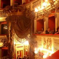 Binnen in het Teatro San Carlo