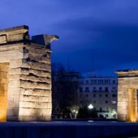 Nachtbeeld van de Templo de Debod