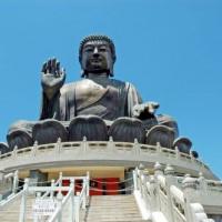 Vooraanzicht van de Tian Tan Boeddha