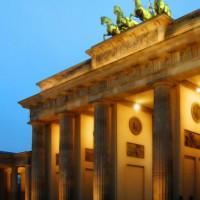 Brandenburger Tor bij valavond