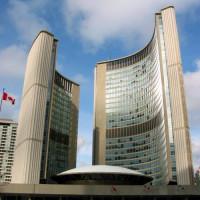 Aan de Toronto City Hall