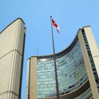 Vlaggenmast aan de Toronto City Hall