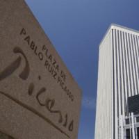 Naambord van de Torre Picasso