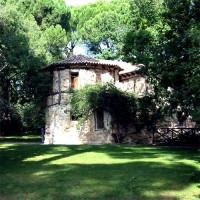 Gebouw in het Parque de El Capricho