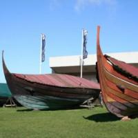 Buiten aan het Vikingschipmuseum