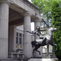 Standbeeld voor de Villa Stuck