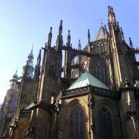 Zijaanzicht van de St. Vitus-kathedraal