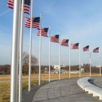 Onder aan het Washington Memorial