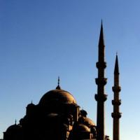 Yeni Moskee in de schaduw