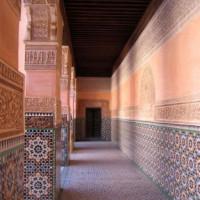 Wandelgang in het Medersa Ben Youssef